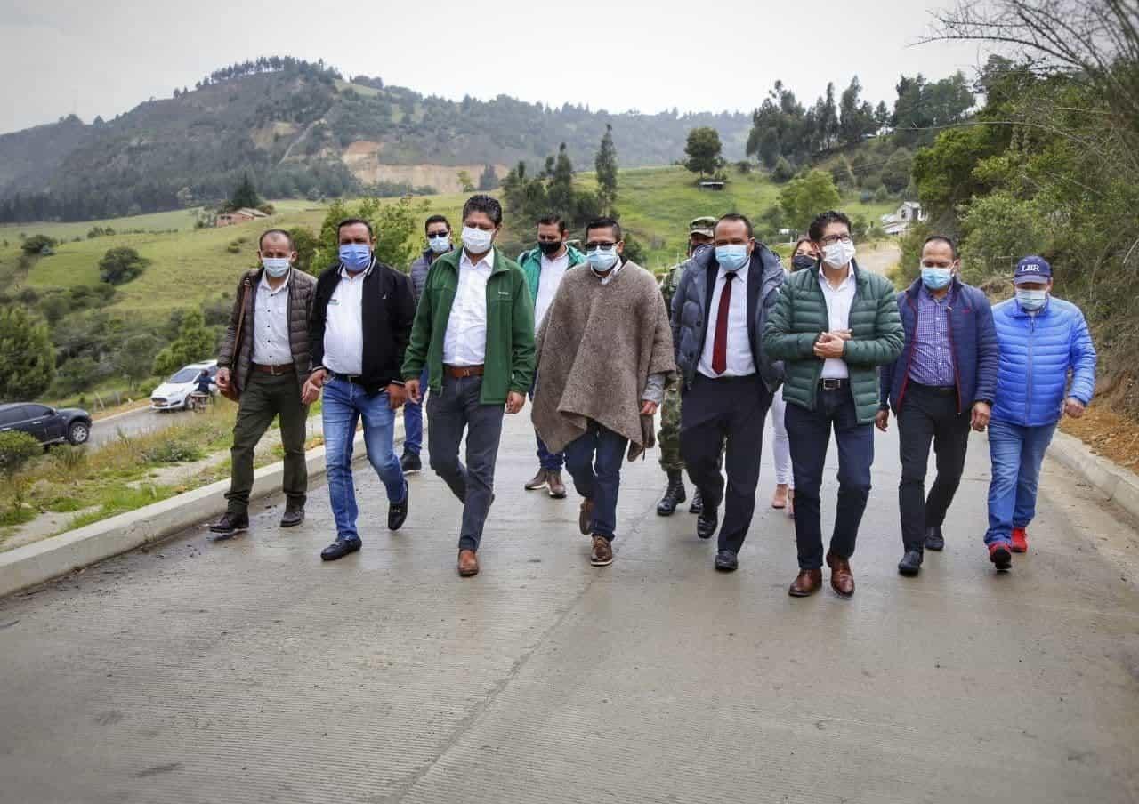 Con una inversión de 1.092 millones de pesos, fue inaugurada esta tarde una importante vía en el municipio de Gámeza.