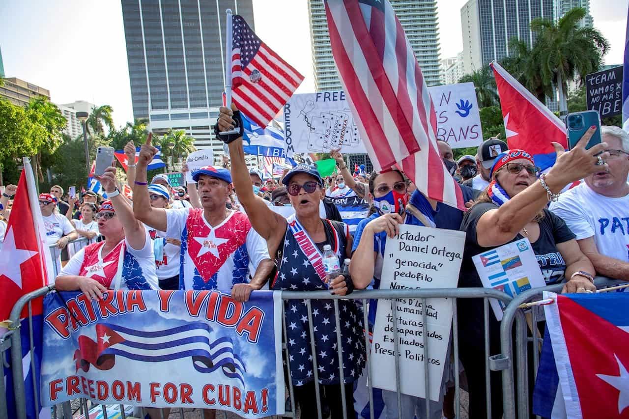 Libertad para Cuba, Nicaragua y Venezuela gritan miles de personas en Miami 1