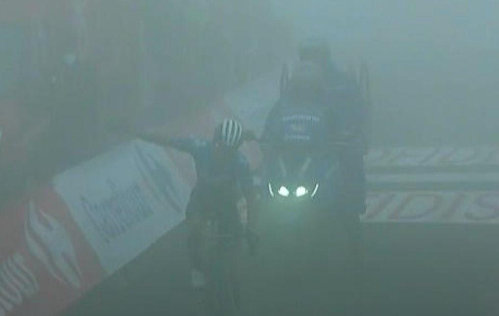 ¿Quién es? el 'Supermán' López que en medio de la niebla voló en la etapa reina de la Vuelta a España 1