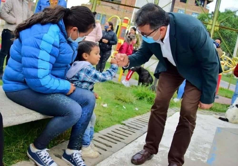 El alcalde de Sogamoso no esconde su simpatía por los niños #Tolditos7días 1